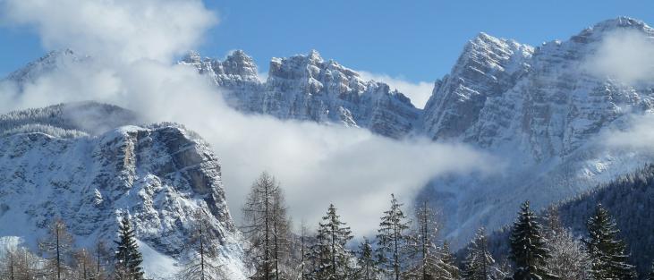 Vista del Monte Bosco Nero in inverno