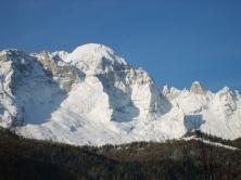 Vista del Monte Civetta in inverno